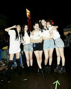 Kpop Girl Groups, Kpop Girls, Red Velvet, Concert, Baekhyun, Rv, Color, Cake, Asian Beauty