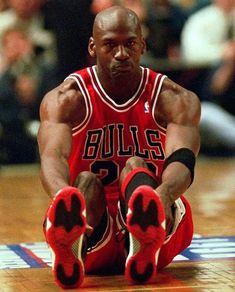 "Michael Jeffrey Jordan on Instagram: ""GOAT! Michael Jordan 🔥 #basketball #nike #nikebasketball #michaeljordan #jordan #jordan23 #airjordan #chicagobulls #nba…"" Jordan 23, Air Jordan 11s, Jeffrey Jordan, Jordan Bulls, Michael Jordan Basketball, Nike Basketball, Kobe Bryant Michael Jordan, Nba Pictures, Basketball Pictures"