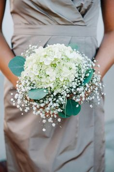 This wedding fromDear Wesleyann Photographyis filled with my favorite detail of all - heart. Yes, it's also swimming with sweet touches like cookies cooked by Mema, flowers whipped up by the mother of the Bride and stationery designed by the Bride