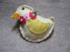 Easter Brooch Pin Ornament Cream Felt Chick Chicken 3x3 inch Wool Felt sequin eye Hand made