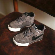 31.02$  Watch here - https://alitems.com/g/1e8d114494b01f4c715516525dc3e8/?i=5&ulp=https%3A%2F%2Fwww.aliexpress.com%2Fitem%2FWinter-New-Children-s-Sports-Shoes-Boys-girls-High-Velvet-Running-Shoes-Casual-Warm-Cotton-High%2F32772856094.html - Winter New Children 's Sports Shoes Boys girls High - Velvet Running Shoes Casual  Warm Cotton High-quality Sneakers 1126E
