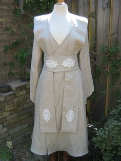 Natural linen Star Wars inspired Jedi robe. Size medium. Robe dress gown wrapdress costume reenactment larp pagan witch pixie SF bridal lace...