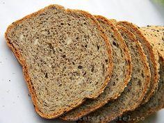 PAINE CU FAINA DE HRISCA SI SEMINTE | Rețete Fel de Fel Cooking Bread, Bread Baking, My Recipes, Bread Recipes, Barley Recipes, Vegan Bio, Healthy Recepies, Banana Bread, Food To Make