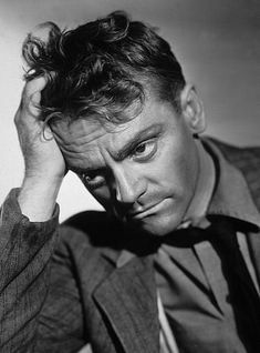 James Cagney biography, images and filmography. Read and view everything you want to know not only about James Cagney, but you can pick the celebrity of your choice. Golden Age Of Hollywood, Hollywood Stars, Classic Hollywood, Old Hollywood, James Cagney, Classic Man, Classic Movies, Roaring Twenties, The Twenties