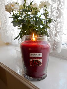 Simply Home: Yankee Candle in Cherry Vanilla