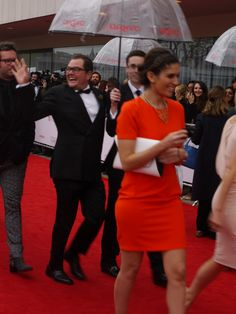 Chatty Man himself, Alan Carr, giving the crowd a wave. Chatty Man, Alan Carr, In A Nutshell, Crowd, Peplum Dress, Fangirl, Fairy Tales, Comedy, Favorite Things