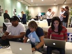 Sam, Deeks & Kensi - live tweeting during NCISLA season premiere