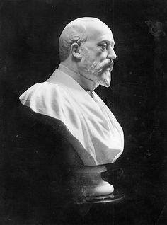 Bust of King Edward VII (1841-1910)