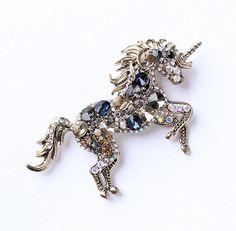 Unicorn Brooch Crystal.
