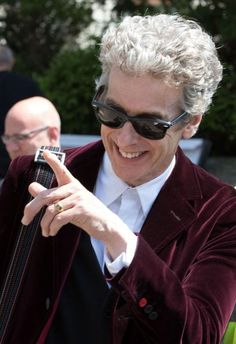 Peter Capaldi with wearable technology - 11 June 2015 Doctor Who Season 9, Doctor Who Series 9, 12th Doctor, Twelfth Doctor, Gear S3, Samsung, Guinness World, Peter Capaldi, Beautiful Mind