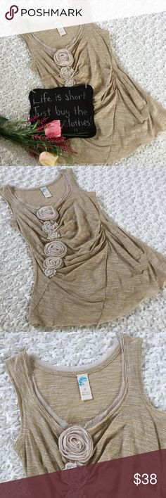 """Anthropologie C Keer gold metallic rosette tank Gorgeous Anthropologie C Keer gold metallic stitching rosette tank. Size S. 15"""" arm pit to arm pit. 26"""" length. Anthropologie Tops"""