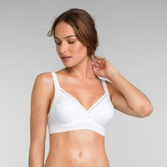 Non Wired Cotton Bra in White Feel Good Support. Feel good, look good. Our non-wired bra from the Feel Good Support Cotton collection has you covered! Ideal Beauty, Christmas Deals, White Maxi, Shapewear, Stretch Fabric, Feel Good, Feminine, Lingerie, Bra
