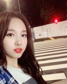 Im Nayeon (임나연) - Twice (트와이스) (Selca) K Pop, Instagram Queen, Instagram Posts, Sixteen, Selca, Sana Momo, Text For Her, Nayeon Twice, Im Nayeon