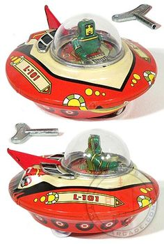 Wind up retro space saucer