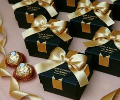 25 Black & Gold wedding favor gift box with satin ribbon, bow and your names, Elegant Personalized Gatsby theme wedding favors for guests