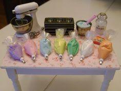 Baking In Miniature...so cool tiny, tiny dollhouse stuff