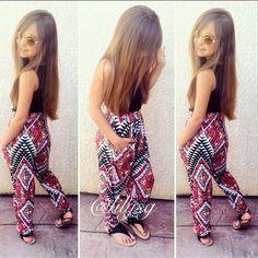 BEBÉS CON ESTILO: GISELLE GARCÍA Little Boy And Girl, Little Girl Outfits, Cute Outfits For Kids, Toddler Girl Outfits, Little Girl Fashion, Toddler Fashion, Teen Fashion, Fashion Outfits, Pink Prom Dresses