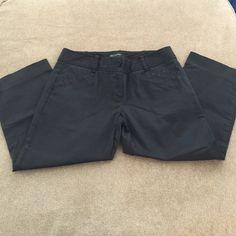 The limited size 8 drew fit black capris Size 8. Capri. Great condition. The limited drew fit. The Limited Pants Capris