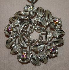 Vintage Necklace Silver Leaf Wreath with by ilovevintagestuff