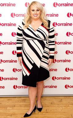 Rebel Wilson visits UK TV show Lorraine in London. Plus Size Dresses, Plus Size Outfits, Nice Dresses, Curvy Women Fashion, Plus Size Fashion, Dresses For Apple Shape, Curvy Inspiration, Hollywood Celebrities, Hollywood Actor