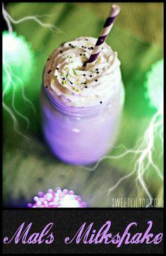 Disney's Descendants Recipe - Mal's Milkshake (ad) - sweet lil you Descendants Cake, Disney Decendants, Pastel, Birthday Parties, Birthday Ideas, 9th Birthday, Mickey Birthday, Savoury Cake, Birthdays