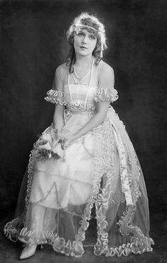 Mary Pickford In Her Wedding Dress - 1920 - Photo by Everett Collection