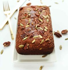 Tender, spiced pumpkin bread made in 1 bowl with simple ingredients. Vegan, gluten-free, and perfect for fall snacking and dessert! Gluten Free Quick Bread, Gluten Free Pumpkin Bread, Gluten Free Sweets, Vegan Gluten Free, Vegan Pumpkin, Pumpkin Loaf, Vegan Sweets, Best Pumpkin Bread Recipe, Pumpkin Recipes
