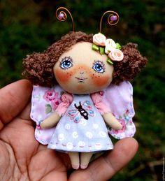 Броши ручной работы. Ярмарка Мастеров - ручная работа. Купить Брошь девочка бабочка. Брошь куколка .. Handmade. Розовый
