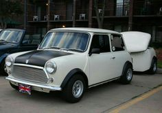 Good Morning Miniacs Let's get the wheels rolling with a beautiful Towin Tuesday matching combo. I sooo want a trailer like this for behind Vini Have a great day folks