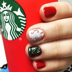 Candy cane nails Christmas nails winter nails holiday nails red nails Starbucks nails glitter nails nail art nail design short nails gel mani by Gloria Garcia Holiday Nail Designs, Winter Nail Designs, Christmas Nail Art, Holiday Nails, Holiday Candy, Christmas Candy, Winter Christmas, Christmas Glitter, Winter Holidays