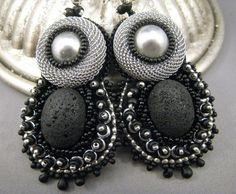 Extravagante Ohrstecker Lavastein Perlenstickerei von BeadFizz