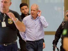 José Dirceu chega à Superintendência da Justiça Federal, em Curitiba, nesta sexta (29) (Foto: Paulo Lisboa/Brazil Photo Press/Estadão Conteúdo)