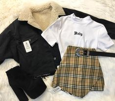 Mens Casual Fashion Tips Grunge Outfits, Teen Fashion Outfits, Outfits For Teens, Summer Outfits, Girl Outfits, Cute Casual Outfits, Edgy Outfits, Mode Outfits, Retro Outfits