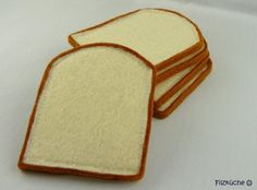 Die perfekte Ergänzung im Kaufmannsladen: 5 Toastbrotscheiben! Sie sind originalgetreu angefertigt worden. Auch mit den Kinderküchen-Spielzeugse...