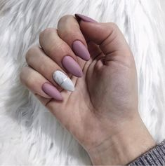 Spring is going to arrive and why not celebrate the new season with new nails? Nails are an easy and stylish way to update your look with the newest Aycrlic Nails, Nails 2018, Fun Nails, Hair And Nails, Prom Nails, Polish Nails, Best Acrylic Nails, Acrylic Nails Almond Matte, Pointed Nails
