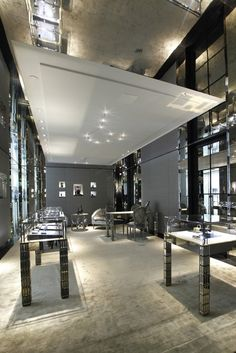 Christian Dior Store on Rodeo Drive, Beverly Hills, California designed by Peter Marino Architect
