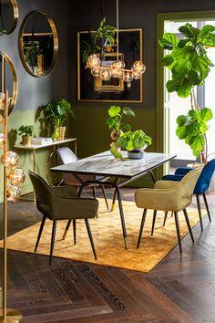 €139 | San Francisco Dark Green armstoel, unieke en trendy armstoel uit de meubel collectie van Kare Design. De eigenzinnige meubels van dit unieke woonmerk zijn echte blikvangers en geven karakter aan uw interieur! Afmeting: (hxbxd) 82x585x61 cm. Dining Room Table, Dining Area, Dining Chairs, South Beach, Loft Stil, Furniture Cleaner, Paris Apartments, Kare Design, New Furniture
