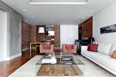the counterpointing of white and darks wall colors, the glass and wood, all work great
