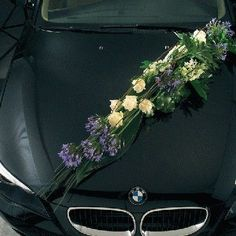 Voorbeelden #Bloemschikken met Oasis1 - Goedkoop-bloemschikken & Pompoenzaden-decoshop.nl Wedding Car Decorations, Flower Car, Wedding Arrangements, Corsage, Funeral, Cars And Motorcycles, Wedding Flowers, Decor Ideas, Plants