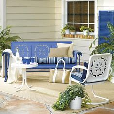 This vintage patio furniture isn't one bit bad at all either!