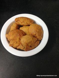 Aloo Pakora Recipe, Aloo bajji | Potato Pakora(Pakoda) Recipe http://yummyindiankitchen.com/