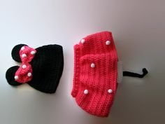 This cute little ensemble is perfect for any little minnie mouse. Set includes hat with polka dots, and skirt with tail and polka dot. Made with soft yarn for comfort. Color can different upon choosing when ordering. If your child is a bit smaller or bigger than the average 2 year size, just send me a note upon ordering with the waist size you would like. Average waist size for 2 years is 17-18 inches.