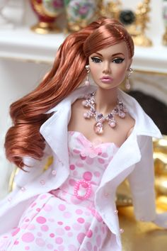 She's one of my favorite Poppies. So gorgeous in a Virginie ensemble! Beautiful Barbie Dolls, Vintage Barbie Dolls, Pretty Dolls, Chic Chic, Barbie Dress, Barbie Clothes, Fashion Royalty Dolls, Fashion Dolls, Poppy Doll