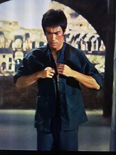 Way Of The Dragon, Indian Yoga, Bruce Lee Photos, Weapon Storage, Ip Man, Boxing Fight, Brandon Lee, Jackie Chan, Batman Art