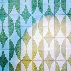 Bills breakfast #geometric #tiles #seagreen #graphic #shadowplay #billswaikiki #aussiebreakfast #coffee #thedetoxisover #patterniseverywhere #dscolor #patternaday #wisdomofrepetition