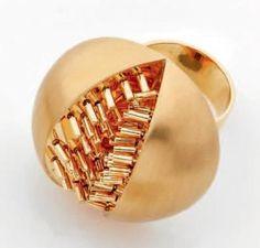 "Pol BURY ""Météorite"" gold ring. 2005. Edition of 8 + Artist proof"