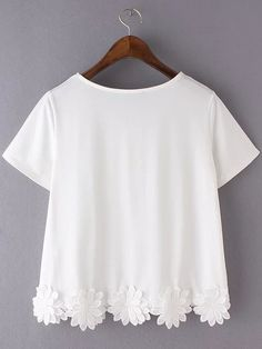 White Short Sleeve Flowers Hem Casual T-shirt EmmaCloth-Women Fast Fashion Online Mobile Site Cute White Shirts, Cute Shirts, Cute Blouses, Trendy Outfits, Girl Outfits, Cute Outfits, Blouse Styles, Blouse Designs, Fast Fashion