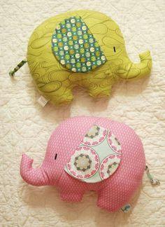 Retro Mama Elephant Softies sewing class- diy these little elephant pillows! - Retro Mama Elephant Softies sewing class- diy these little elephant pillows! Sewing Toys, Baby Sewing, Sewing Crafts, Baby Crafts, Felt Crafts, Fabric Crafts, Elephant Pillow, Mama Elephant, Elephant Fabric