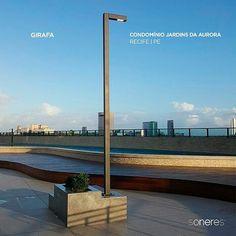 """Ponto de luz Girafa dando """"brilho"""" ao Condomínio Jardins da Aurora em Recife. #iluminacaourbana #iluminacao #luz #led #luzled #luzdeled #luminaria #luminarias #light #lightdesign #arquiteto #arquitetos #arquitetura #arquiteturaurbanismo #recife #arquiteturaeurbanismo #soneres #girafa"""