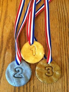 Make your own Olympic medals, perfect olympic craft for kids.  MAKING MEDALS OUT OF THE PLAYDOUGH FOR THEM TO SQUISH AND RE-FORM?